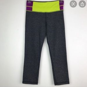 Lululemon contrast color waistband crop leggings